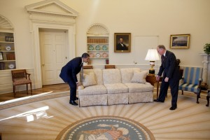 Barack_Obama_moving_couch_in_the_Oval_Office-1024x683